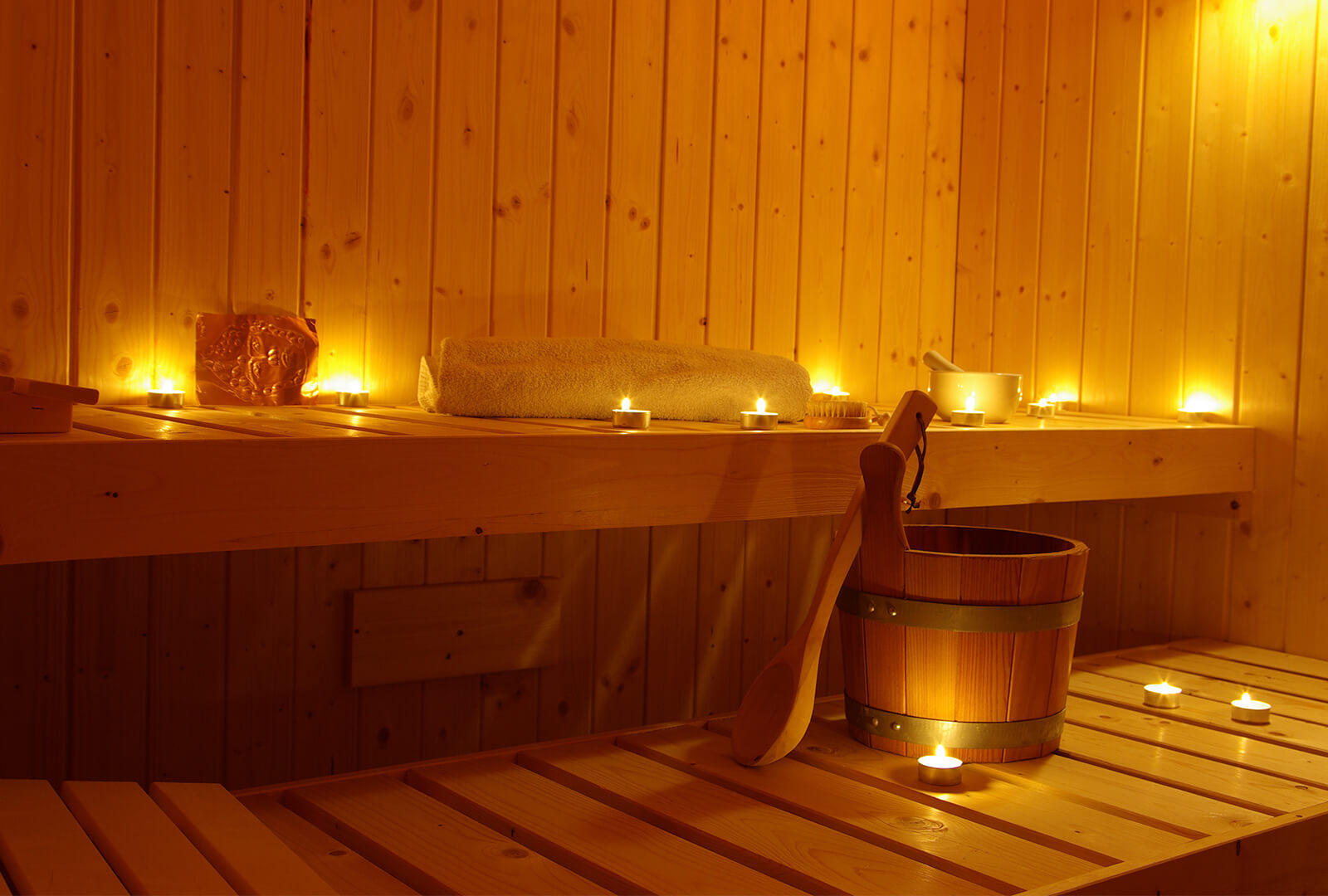 Candle-Light-Sauna (Oktober – März)